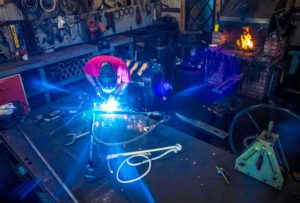 Ken Strosnider also uses an electric arc welder for his creations. Photo by Phil Grout.