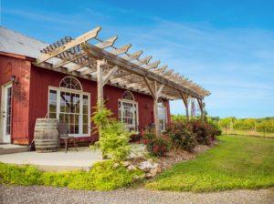 Galloping Goose Vineyards Tasting Room. Photo by Kelly Heck.