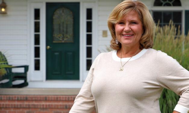 Joanie Hyne